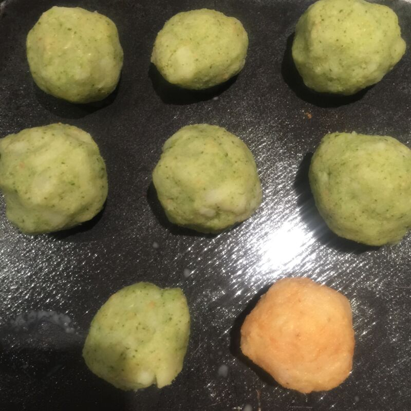 Potato croquettes recipe perfect for baby led weaning (BLW). Come check out my easy to follow recipe to make delicious and healthy potato croquettes.