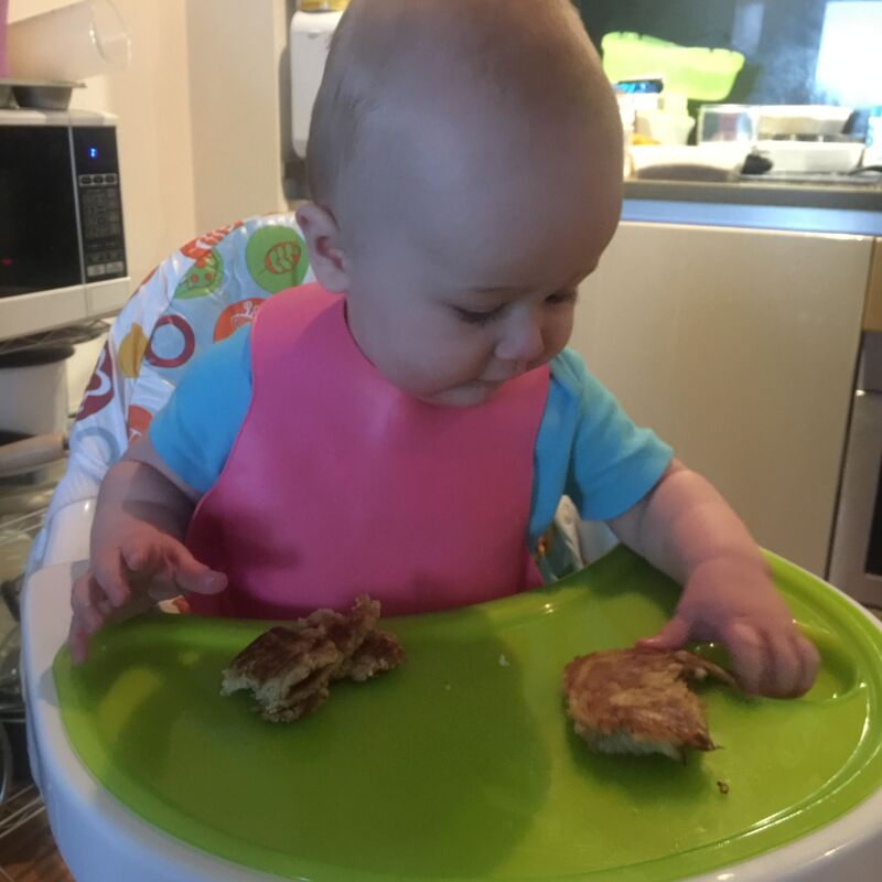 Recipe for banana oat pancakes. these pancakes are perfect for baby led weaning. All the ingredients you need to make delicious, tasty BLW pancakes.
