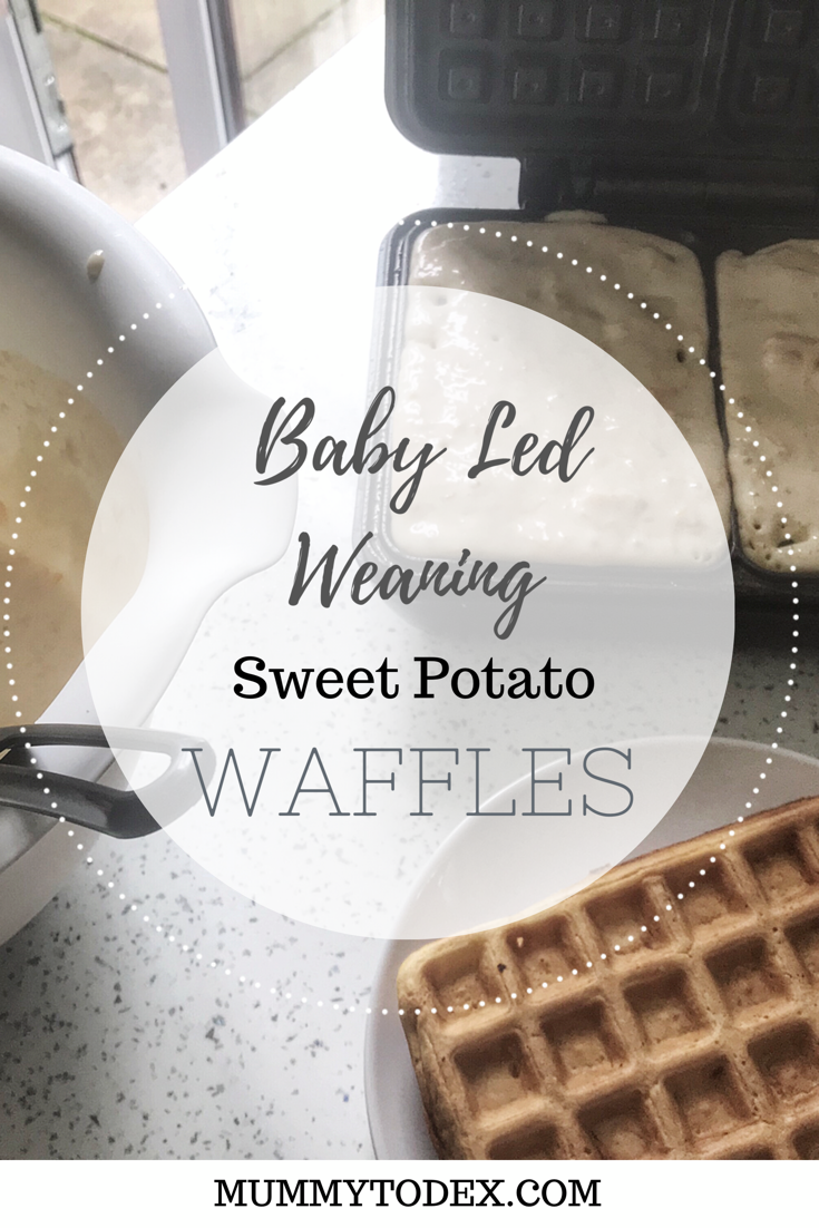 Easy and healthy baby led weaning sweet potato waffles, the perfect baby led weaning breakfast idea and suitable from 6 months onwards. #blw #babyledweaning #waffles