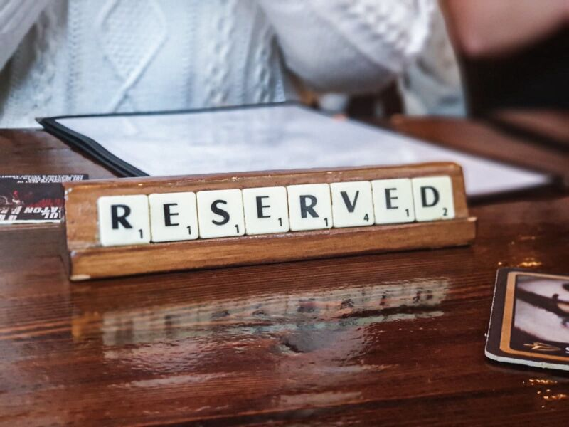 Reserved table sign in the Lion and Key, Hull